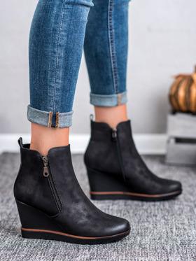 buty damskie na koturnie czarne zimowe