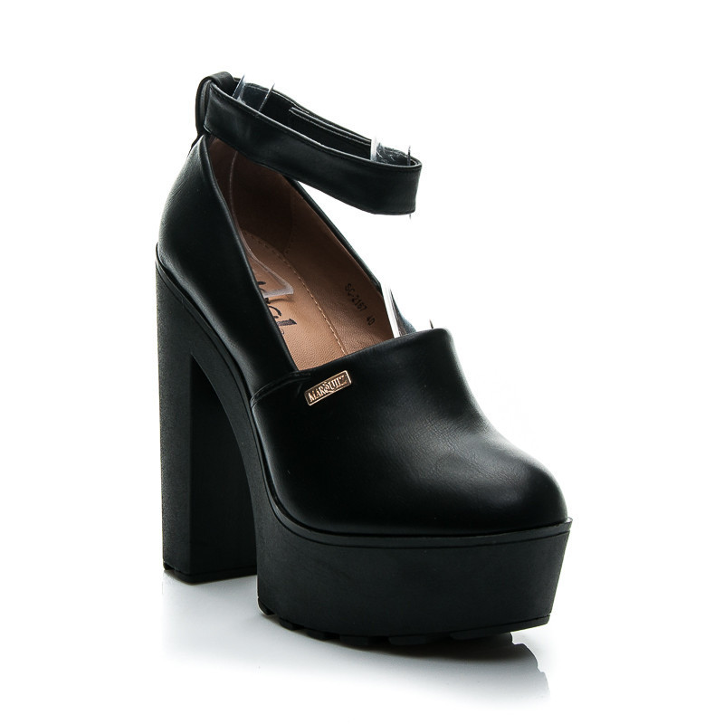 BLACK SCULLY SHOES