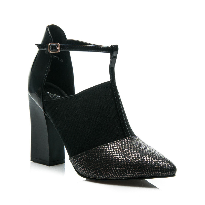 DESIGNERSKIE BUTY CUT OUT