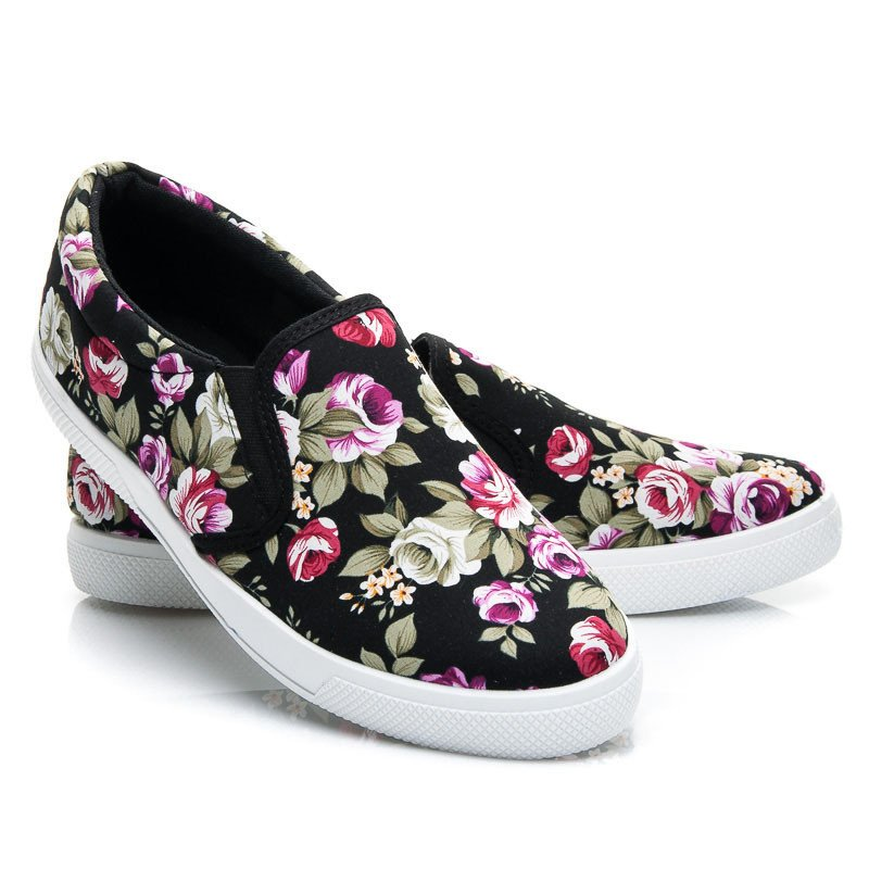 FLORAL BLACK SLIP ON